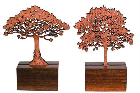 Árvores de madeira da artista Ana Paula Castro, R$ 136,00 cada uma. IT, Rua dos Coropés, 88, Pinheiros, tel.: 3554-0737.