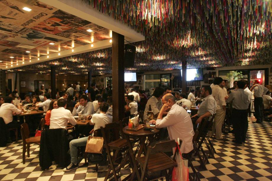 Tatu Bola: happy hour disputada no Itaim