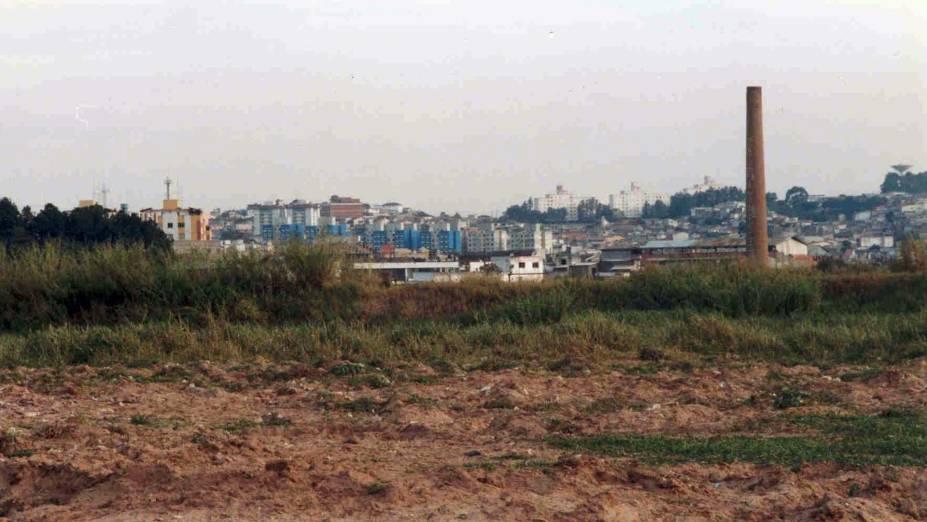 Terreno da USP Leste logo antes da construção da universidade