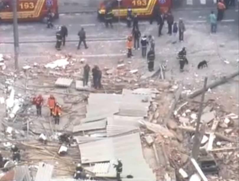 Escombros de prédio que desabou na Zona Leste de São Paulo