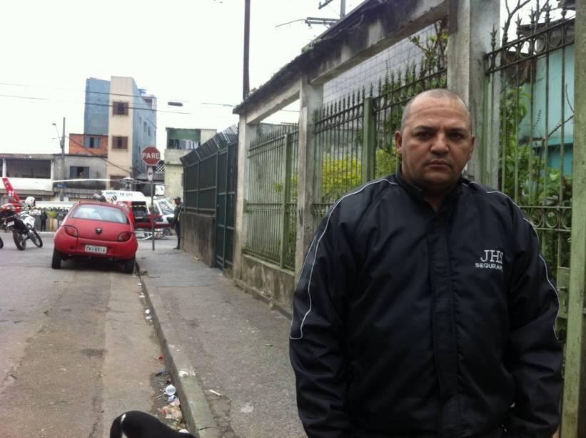 O empresário José Honório da Silva estava mora na região e estava perto do local quando a construção desabou