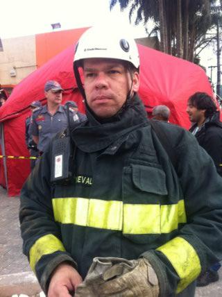 Com a ajuda de um aparelho celular, o capitão Márcio Carnevale resgatou o pedreiro Rubens Moreno