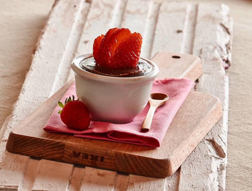 Festival do Escondidinho: morango com chocolate