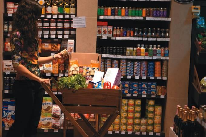 carrinho-de-madeira-the-pick-market.jpeg