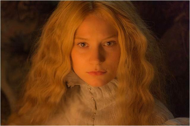 A Colina Escarlate: a atriz Mia Wasikowska, no papel da escritora Edith Cushing