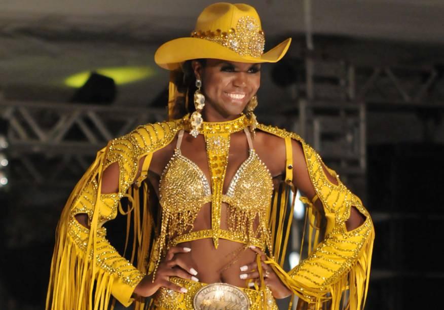 Camila Rocha, 24 anos, foi eleita a rainha da Festa do Peão de Barretos 2013