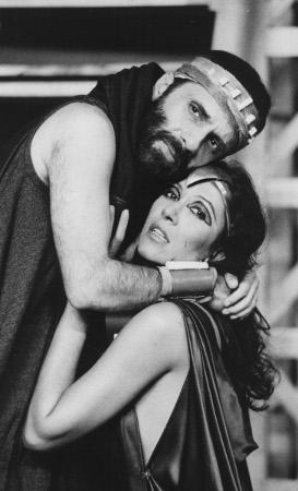 Em 1983, Renato Borghi e Ítala Nandi viveram o complicado romance incestuoso em montagem de Márcio Aurelio, premiada pela APCA.
