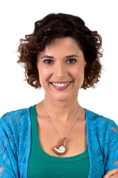 Manuela do Monte como Carol
