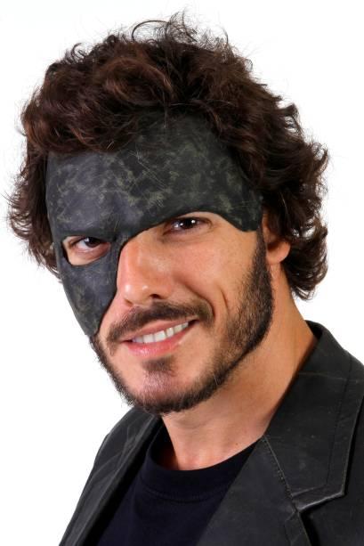 Daniel Andrade como Miguel