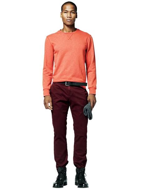 Na GAP: a calça masculina, que antes custava R$ 179,90, agora sai por R$ 99,90
