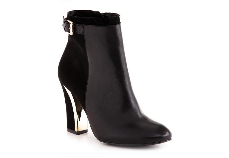 Ankle boot em couro e nobuck. R$ 339,90. Arezzo. Rua Oscar Freire, 808, Jardim Paulistano. Tel.: 3081-4929. www.arezzo.com.br