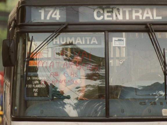 O documentário Ônibus 174 (2002): estreia do cineasta do cinema
