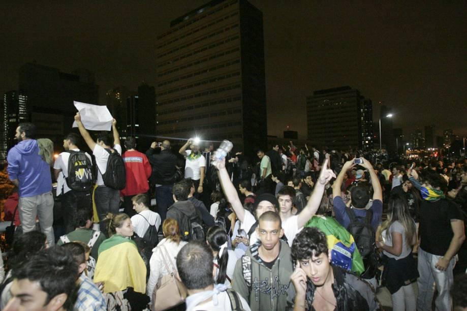 Muitos manifestantes registraram em celulares a passeata