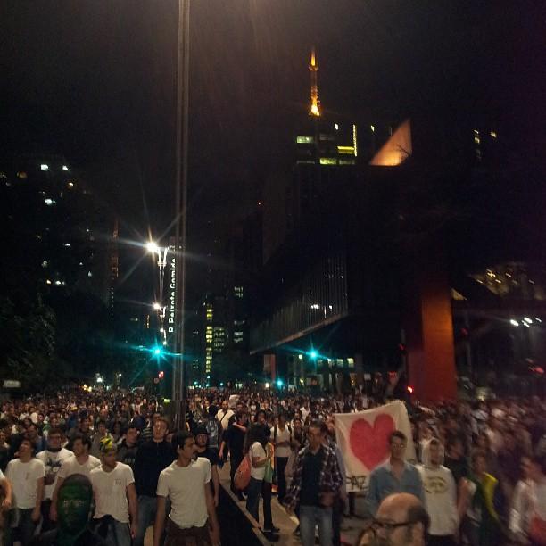 20h25: manifestantes na av. Paulista