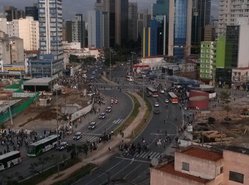 16h30: Trânsito ainda é tranquilo na Avenida Faria Lima, que será palco de manifestação nesta segunda (17)