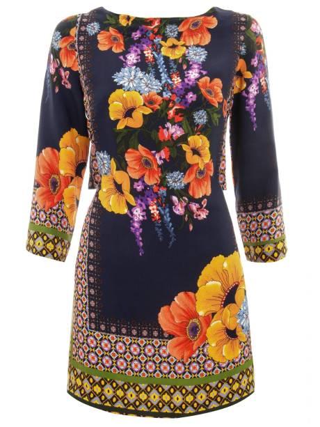 "Vestido estampado da Farm, R$ 329,00, na <a href=""http://www.shop2gether.com.br/"" rel=""Shop2gether"" target=""_blank"">Shop2gether</a>"