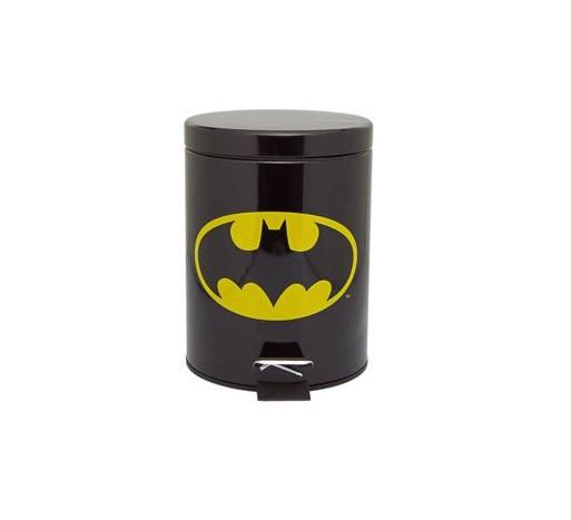 """Lixeira do Batman, R$ 127,00, da <a href=""""http://www.coisasdadoris.com.br/"""" rel=""""Coisas da Doris"""" target=""""_blank"""">Coisas da Doris</a>"""