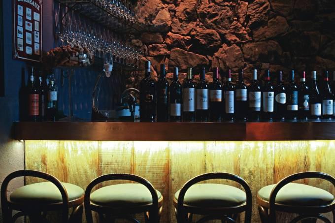 divine-wine-bar.jpeg