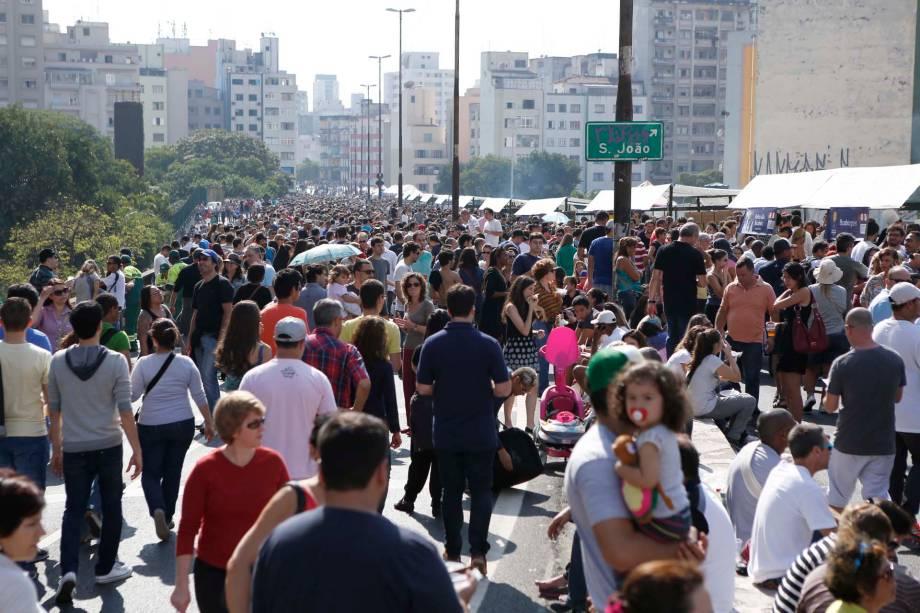 O público na edição da feira O Mercado durante a Virada Cultural 2014