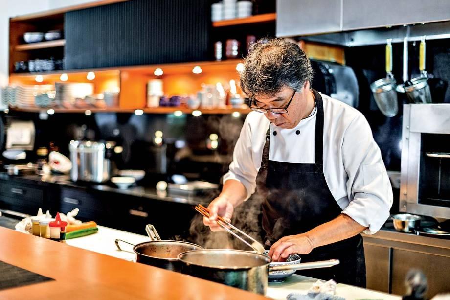 Satoshi Kaneko é o chef do Kinoshita