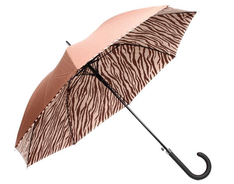 Deu zebra. Desenhado, o forro de poliéster se destaca. R$ 79,00. Macsi Acessórios, www.macsiacessorios.com.br.