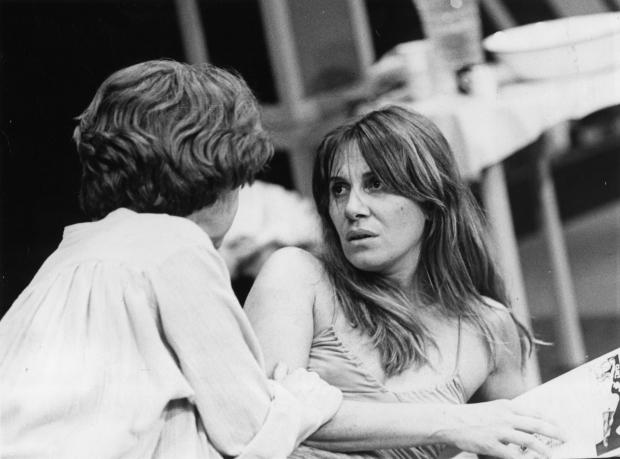 """Com Fernanda Montenegro em """"As Lágrimas Amargas de Petra Von Kant"""" (1982): direção de Celso Nunes"""