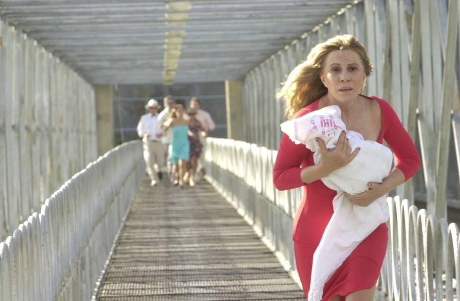 """Renata interpreta a vilã Nazaré Tedesco, que roubava bebês na novela """"Senhora do Destino"""" (2004): um de seus personagens mais marcantes na televisão"""