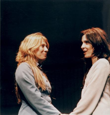"""Renata Sorrah e Deborah Evelyn interpretam """"As Três Irmãs"""" de Tchékov, em 2012"""