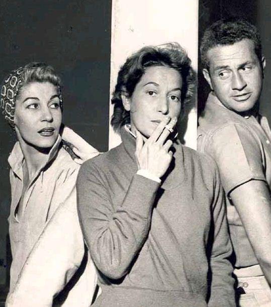 Cleyde Yáconis com sua irmã atriz Cacilda Becker e o ator Fredi Kleemann, 1957