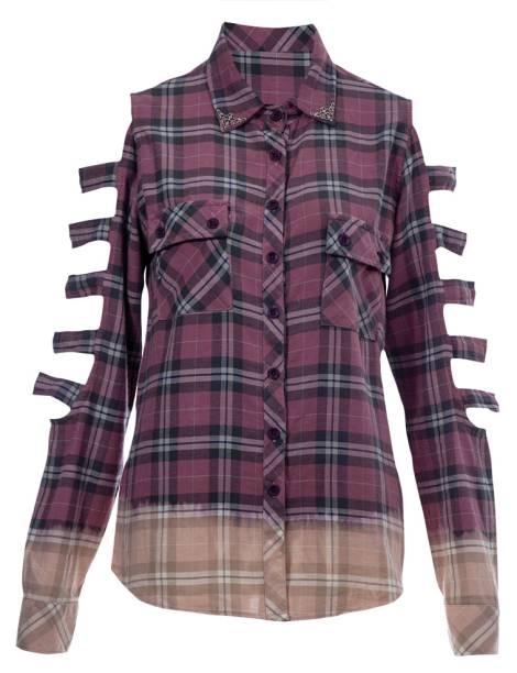 Punk. Tie-dye e recortes dão ar de rebeldia. R$ 360,00. Doc Dog, à venda no www.farfetch.com.br