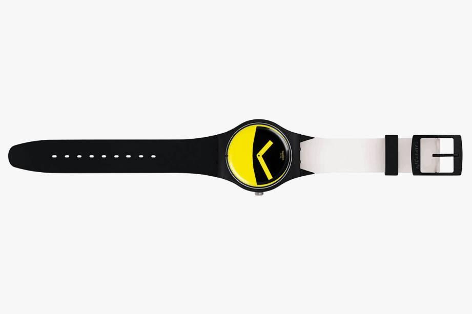 Relógio com desenho que remete ao Batman: R$ 395,00