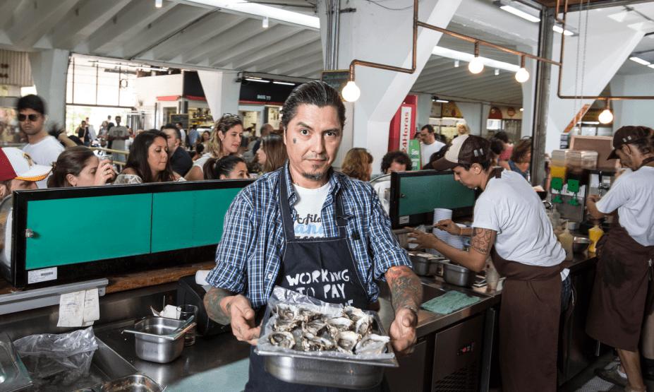 Checho Gonzales, da Comedoria Gonzales: chef boliviano dá aula de frutos do mar e ensina receitas como camarãoem caldo de capim-limão