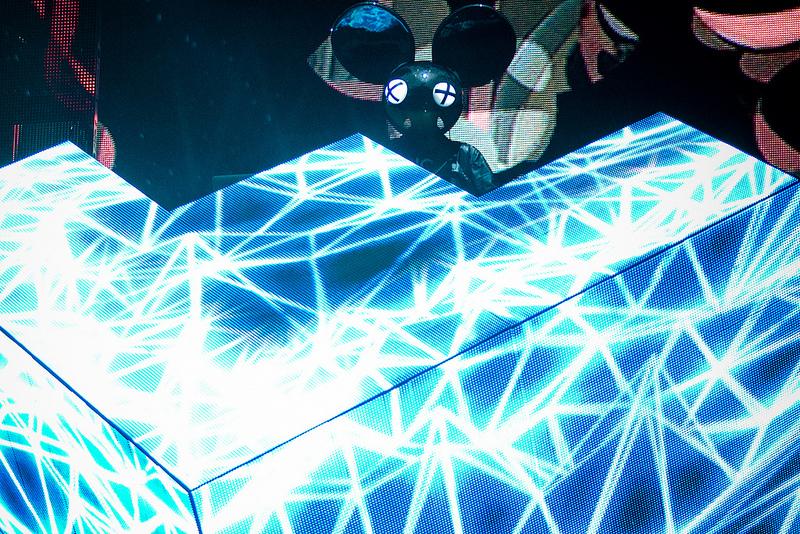 Deadmau5: capacetes de rato equipados com luzes LED