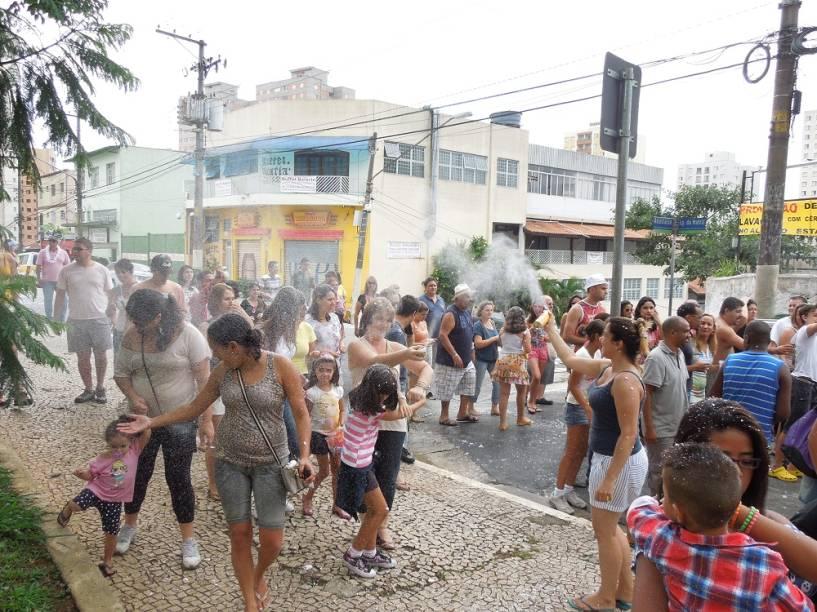 Brincadeira: a latinha de spray é vendida por R$ 5,00