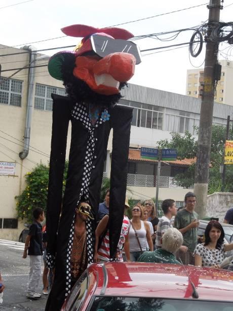 Boneco de Olinda: chega o mascote do Urubó