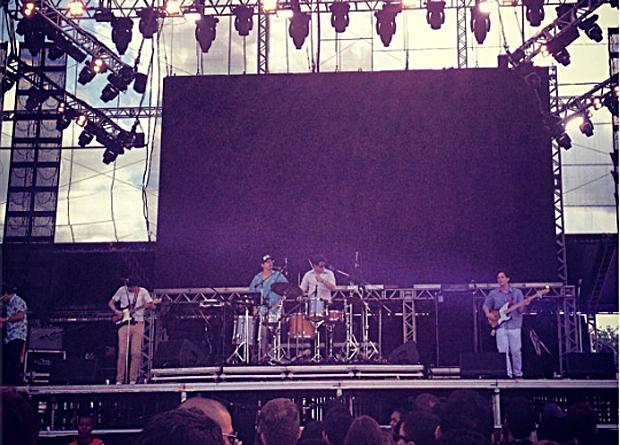 Os paulistanos do Holger tocam no palco Butantã na tarde de sexta (29) (Foto: Tiago Faria )