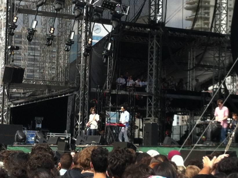 Toro y Moi abriu programação do segundo dia do Lollapalooza 2013