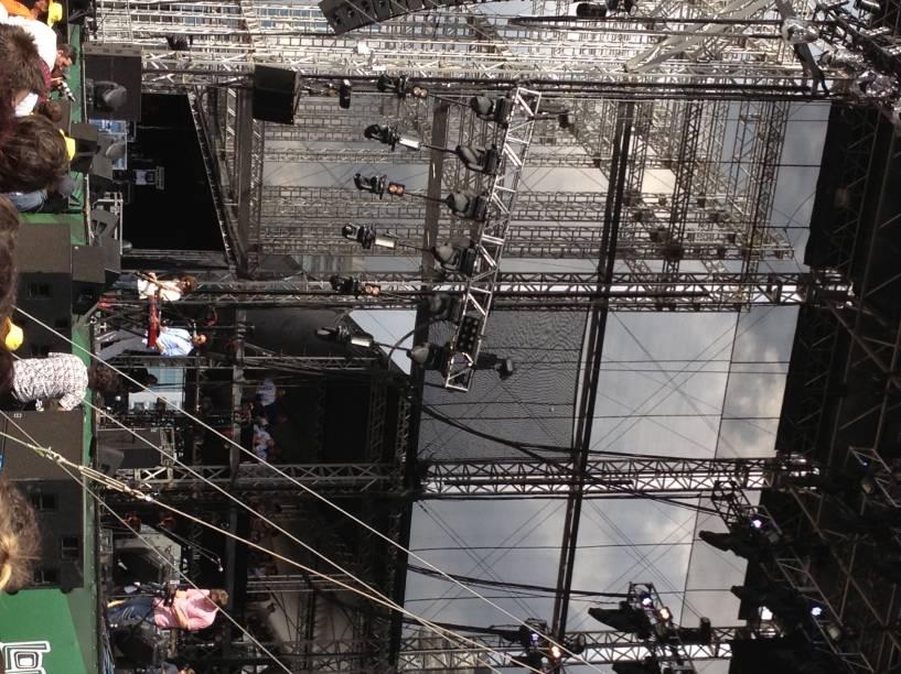 Toro y Moi sobiu ao palco no 2º dia do Lollapalooza 2013