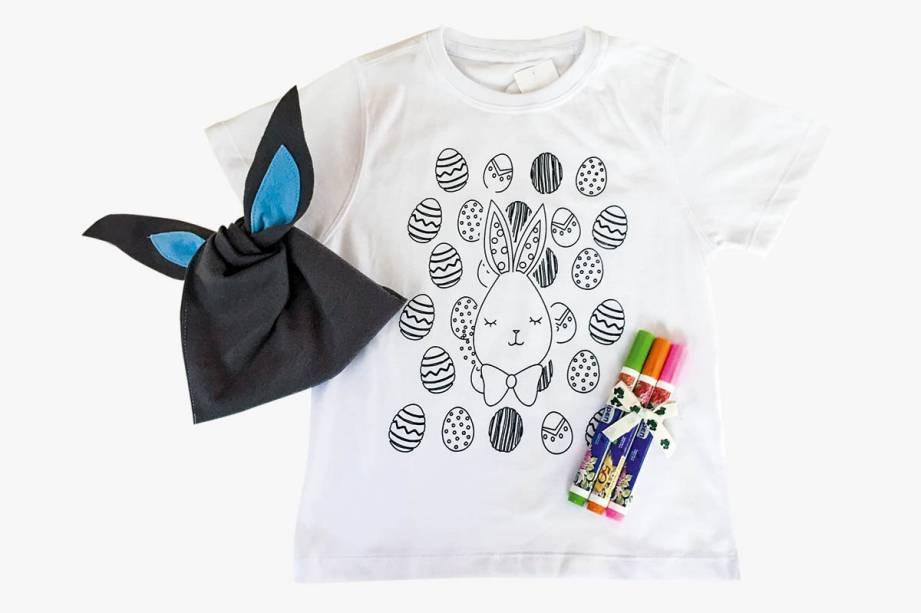 Camiseta infantil e canetinhas de tecido para colorir em embalagem temática: R$ 89,00