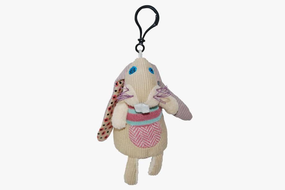 Chaveiro com boneco de coelho de algodão com preenchimento: R$ 39,90