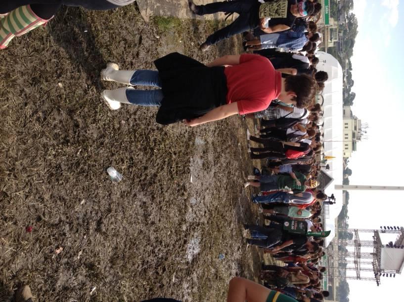 Segundo dia do Lollapalooza 2013 é marcado por lamaçal próximo ao palco alternativo