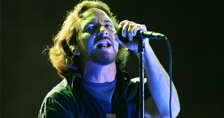 Pearl Jam encerra festival Lollapalooza
