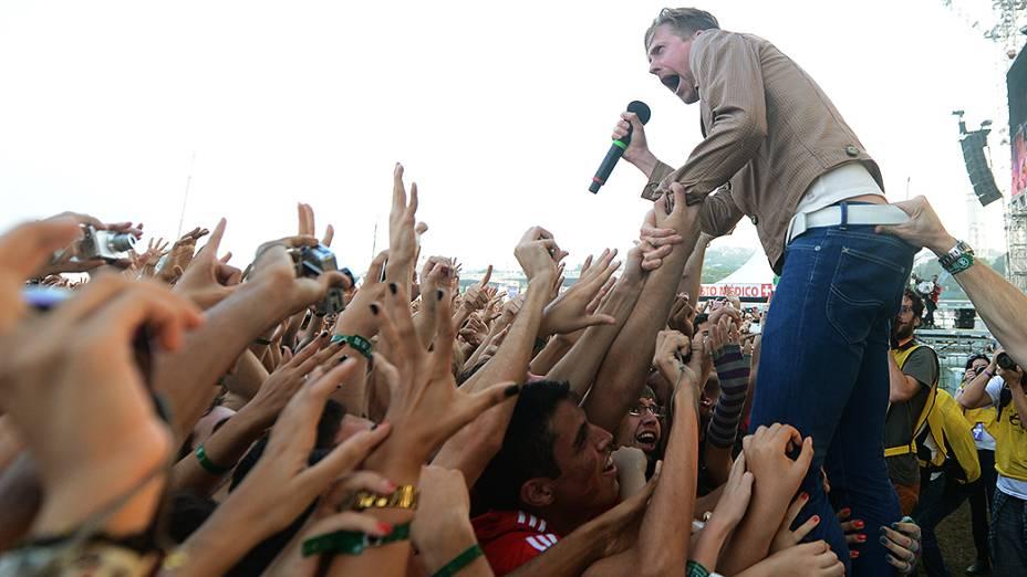 Hits como Ruby, I Predict a Riot e Na Na Na Na Naa fizeram parte de show de Kaiser Chiefs