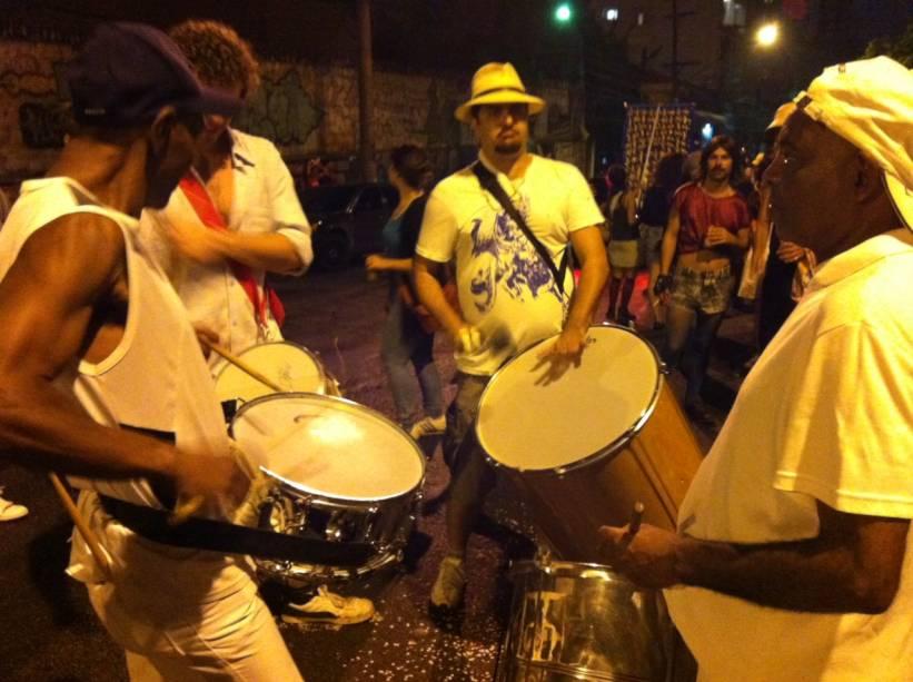 Concentração do bloco Vai Quem Qué, em Pinheiros - 9/2/2013