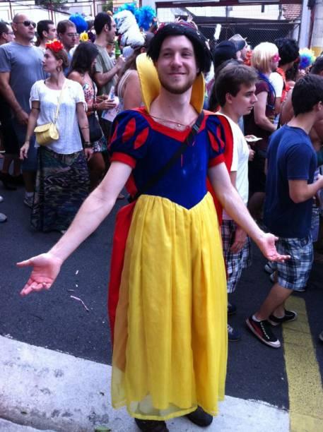 Todos se fantasiaram para sair pelas ruas de Pinheiros
