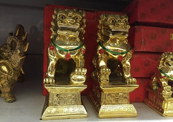 Estatueta dupla de leão chinês (70 reais)
