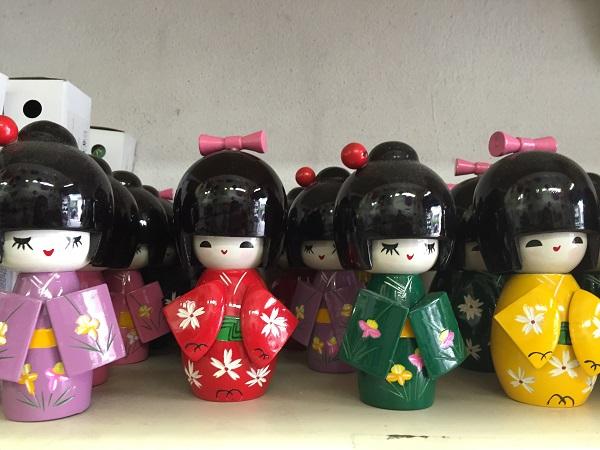 Boneca japonesa Koreshi coque grande (19 reais)