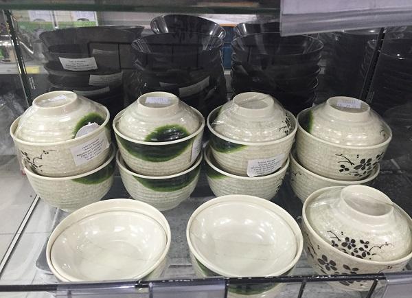 Tigela de melamine para sopa (23 reais)