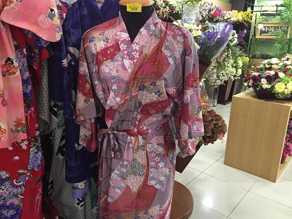 Kimono infantil (180 reais)