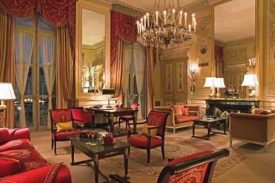 suite-imperiale-salon.jpeg